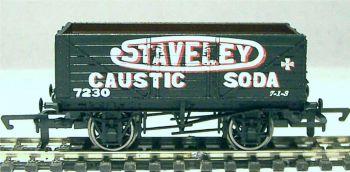 Hornby R6811  7 Plank Wagon, Staveley - Era 3