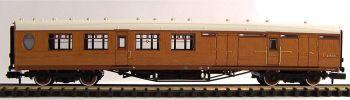 Graham Farish 376-275  LNER Thompson Brake Third Corridor (Teak Effect)