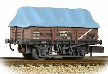 Graham Farish 377-476   5 Plank China Clay Wagon BR Bauxite (TOPS) with Hood