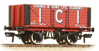 Bachmann 37-115  7 Plank wagon 'I.C.I Chance & Hunt Ltd'