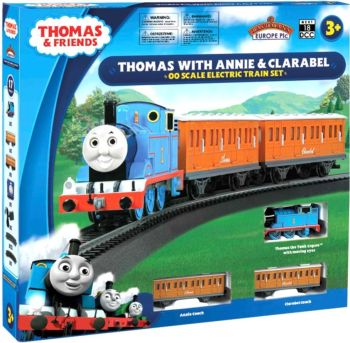 Bachmann 00642BE  Thomas with Annie & Clarabel OO Scale Electric Train Set