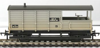 Bachmann 33-308A  GWR 20T 'Toad' Brake Van BR Grey (Early) (Weathered)