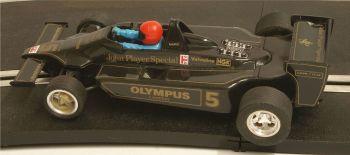 "Scalextric 4059   Lotus 79 JPS F1 ""Mario Andretti"" No5 1:32"