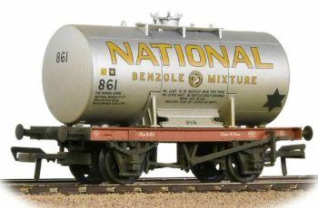 Bachmann 38-778  14T Class A Anchor-Mounted Tank Wagon 'National Benzole' Silver