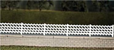 426  LMS station fencing (white)