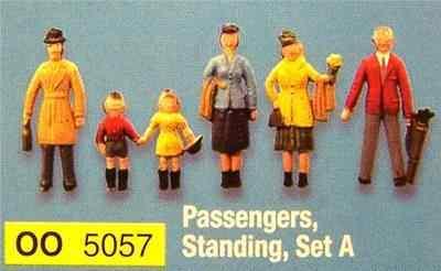 5057  Passengers standing (set A)