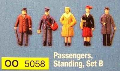 5058  Standing passengers (set B)