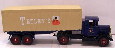 DG165000  Scammell tractor & artic sheeted trailer  (Trackside/Lledo 1:76)