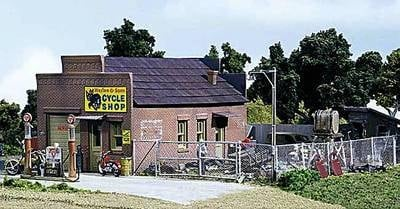 DPM40600  Harlee & Sons Cycle Shop