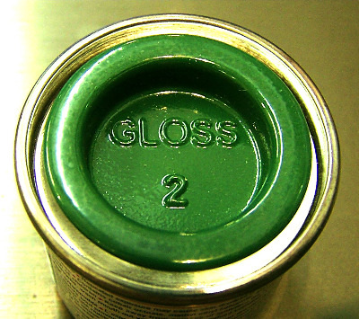 02  Humbrol (Gloss) Enamel   Emerald AA0028