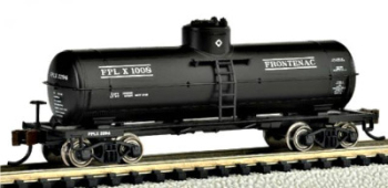 Bachmann 17853  Single dome tank 'Frontenac' (Silver Series)
