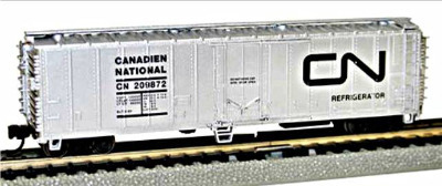 Bachmann 17952  50'  Steel Reefer 'Canadian National' (Silver Series)(1:148)