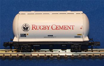 Graham Farish 373002   PCA bulk powder wagon 'Rugby Cement'
