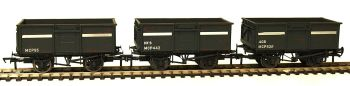 Bachmann 37236  Set of 3 weathered 16ton steel mineral wagons with top doors 'NCB'