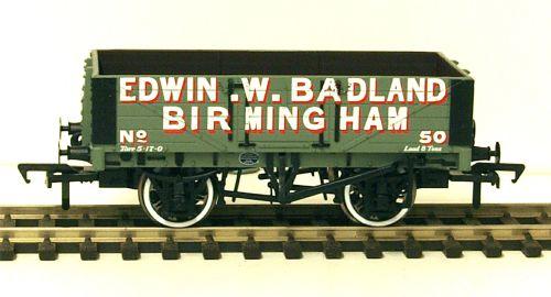 Bachmann 37-062A  5 Plank wagon 'Edwin Badland'