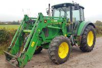 0009: John Deere 6220 SE 4wd Tractor c/w John Deere 631 Loader.