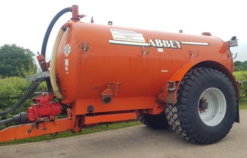 0158: Abbey 2500 Gallon slurry Tanker c/w Rear Linkage & Hydraulics.