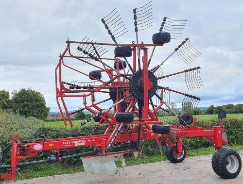 0146: Lely Hibiscus 855 Twin Rota Trailed Rake.