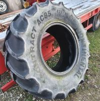 0305:  420/85 R24 Continental AC85 Contract Tyre.