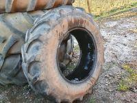 0314: 340/85 R24 Firestone Tyre.