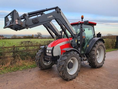 0120: McCormick C85 Max c/w Quickie Q45 Loader Only 2322 Hours !!