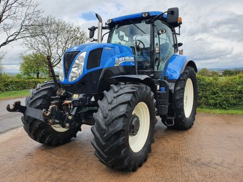 0005: New Holland T7.200 Auto Command, Front Links & PTO.