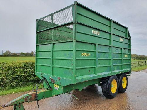 0103: Fraser 10 Ton Tandem  Axle Silage Trailer c/w Grain Door.