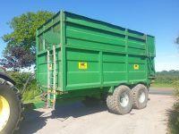 0101: NC 12 Ton Tandem Axle Silage/ Grain Trailer, Year 2009.