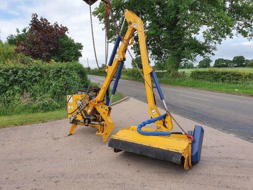 0099: Bomford Kestrel Pro Trim Hedgecutter.
