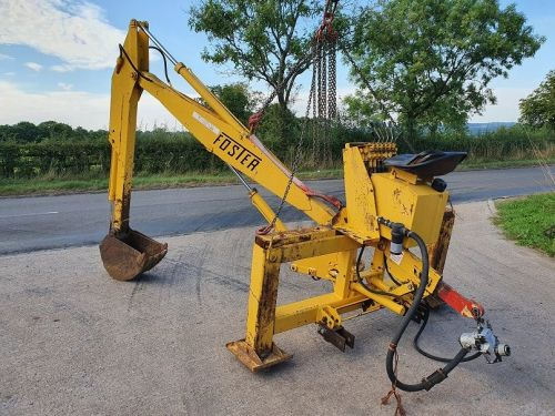 0200: Foster 3 Point Linkage Back Actor / Digger.