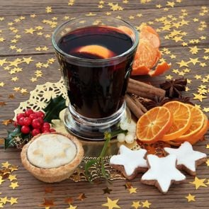 Mulled wine & festive nibbles