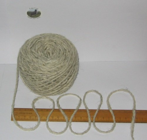 100g 100% pure British undyed Swaledale Medium Chunky knitting wool Cream Grey