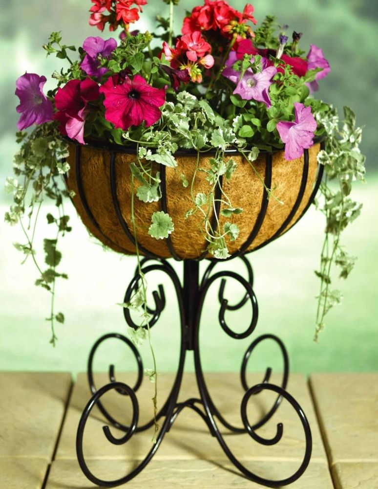 Tom Chambers Quality Small Urn Metal Garden Planter - with Liner