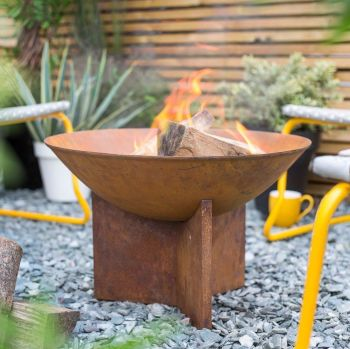 La Hacienda Kala Oxidised Cast Iron Firepit with Steel Stand