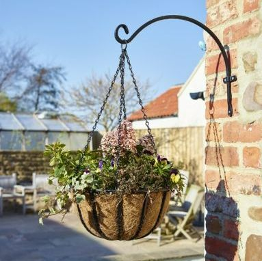 Gardman Blacksmith Metal Hanging Basket with Coco Liner  - 16'' / 40cm