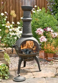La Hacienda Sierra Large Cast Iron Chimenea With Grill