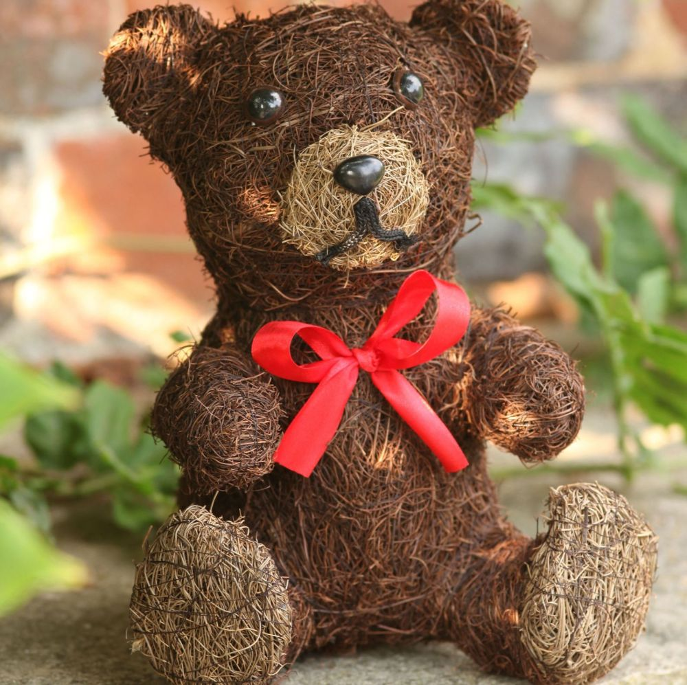 Smart Garden Tedward Teddy Bear Decorative Garden Patio Ornament