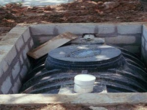 The only safe way to install a plastic septic tank