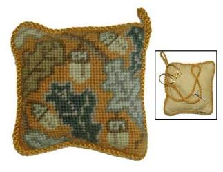 Golden Acorn Pin Cushion/Scissor Keep kit