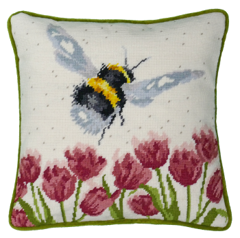 Flight of the Bumble Bee Tapestry - Hannah Dale