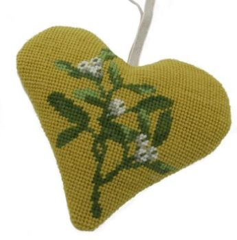 Mistletoe Heart Tapestry