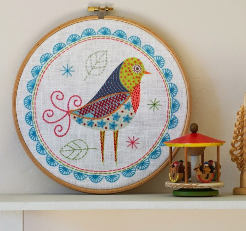 Birdie 1 Embroidery Kit - Nancy Nicholson