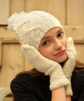 Alpaca Bobble hat