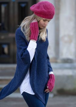 Blue poncho knitted in 100% Alpaca fibre, 11 more colours