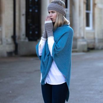 Sky blue Poncho knitted in 100% Alpaca fibre, 11 more colours